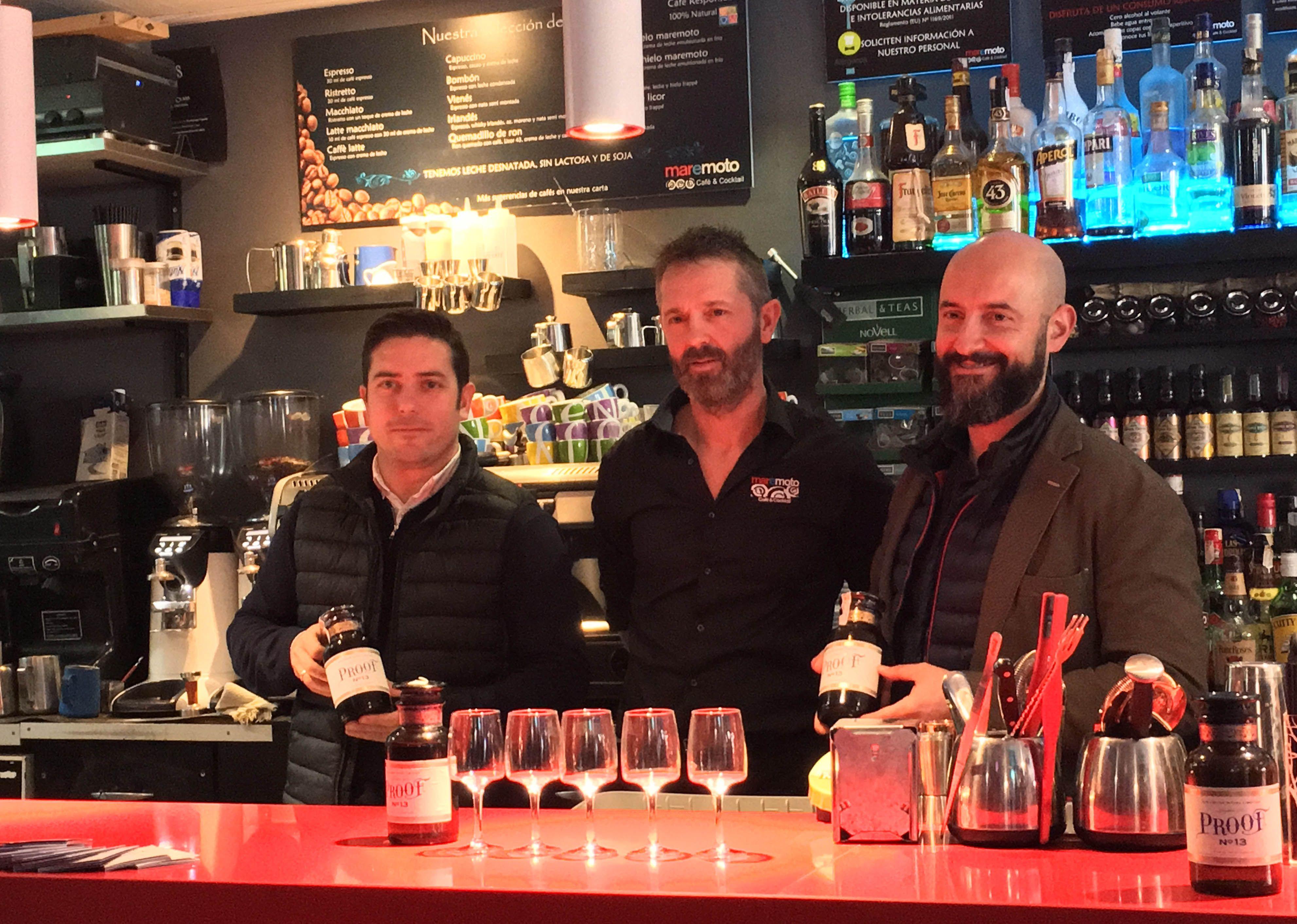 La firma británica The Poshmakers lanza Proof 13, el primer Gin Liquor destilado con frutos rojos del mundo