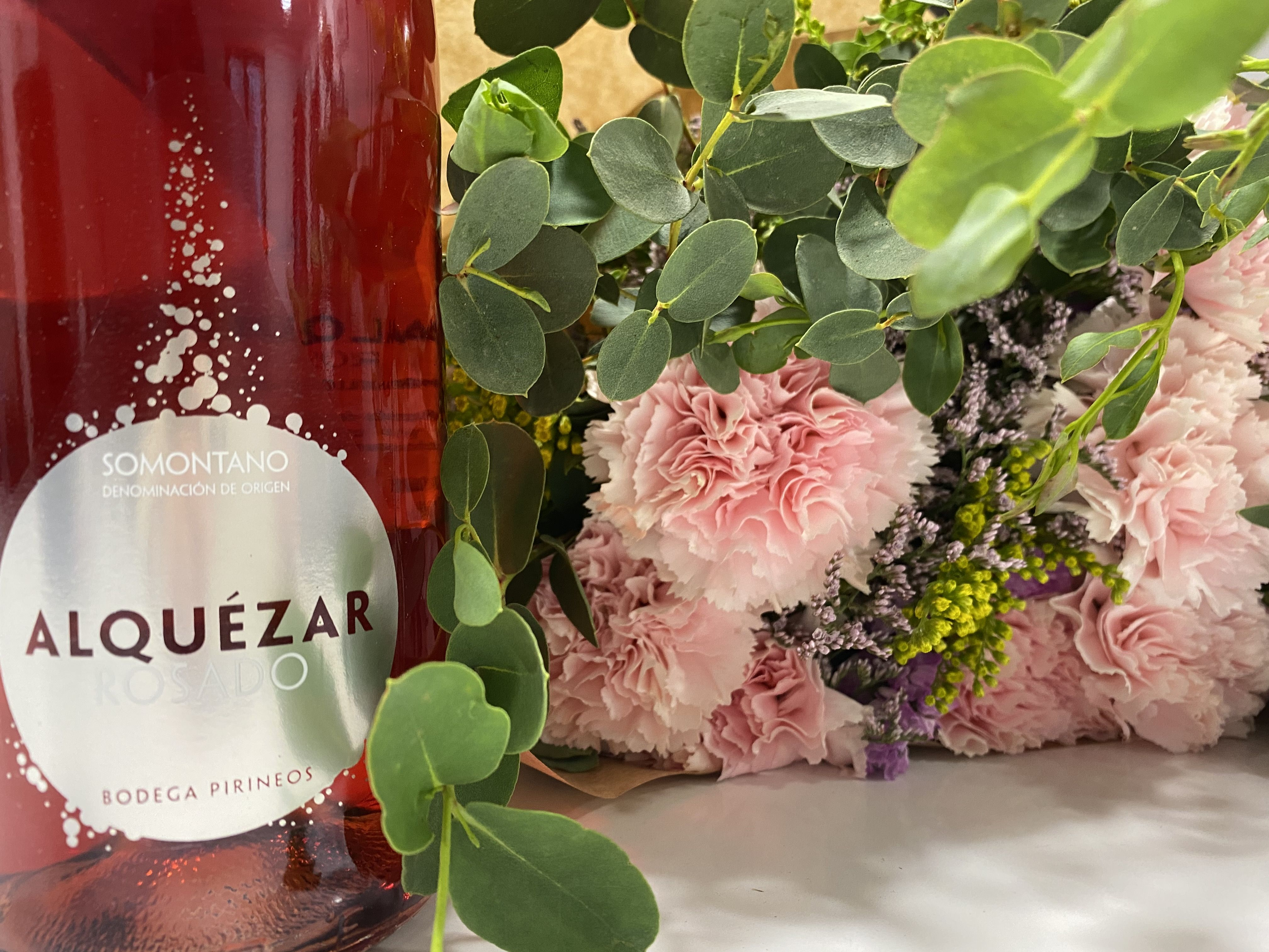 Flores y Alquézar rosado para celebrar el Día de la Madre