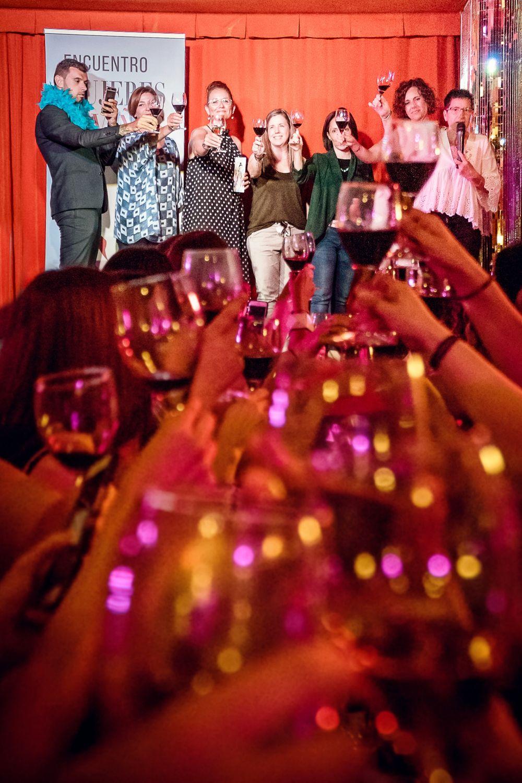 El II Encuentro Mujeres Diviñas reúne a 180 amantes del vino y recauda 1.000 euros para la lucha contra el cáncer