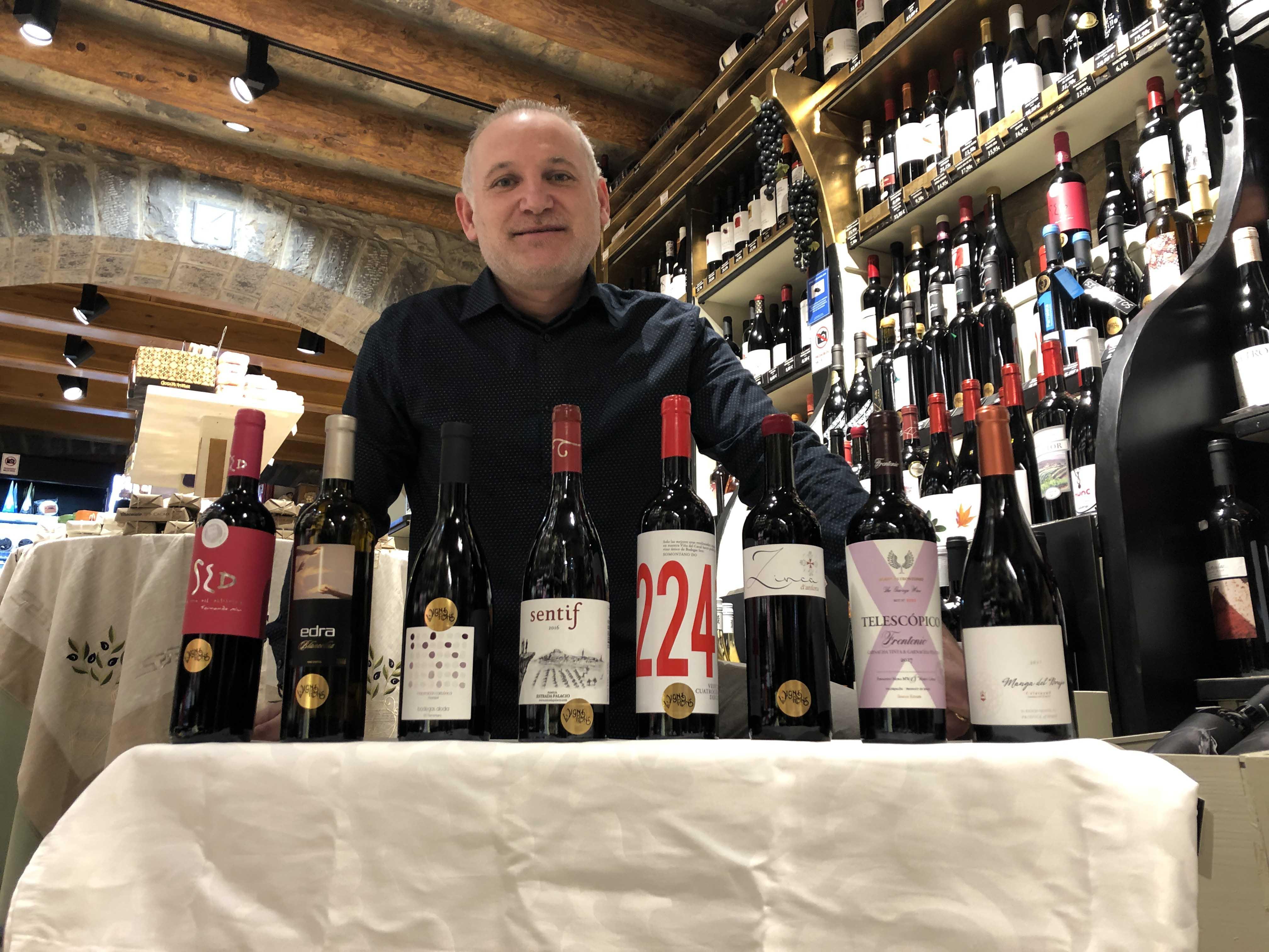 Un total de 32 vinos Vignerons de Huesca y dos de los Master of Wine Fernando Mora y Norrel Robertson componen la carta 2020