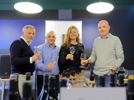 El vino Súper Grillo, de El Grillo y la Luna, cumple diez años