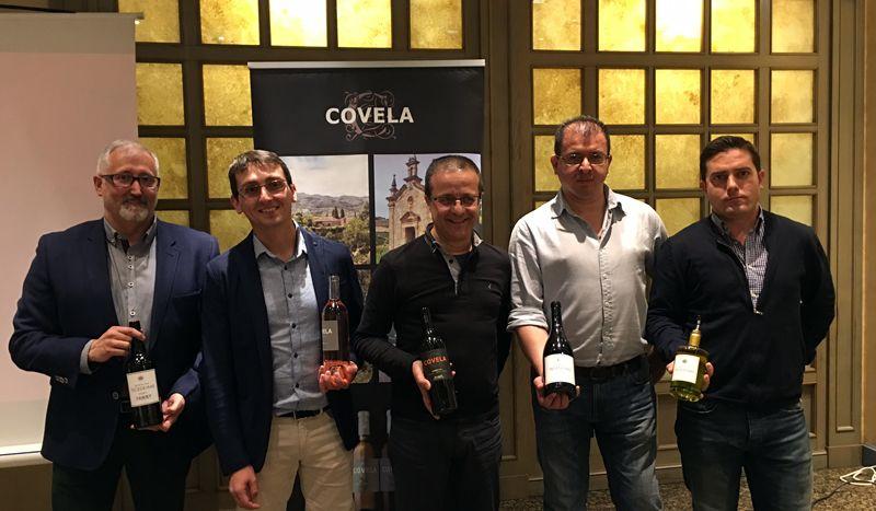 """Raúl Igual descubre la """"sorprendente"""" calidad de los vinos de Quinta das Tecedeiras y Covela con una cata magistral en el Palafox"""